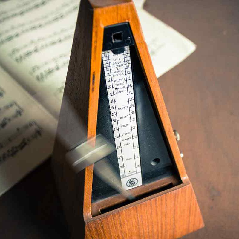https://www.musikschule-heiligenhaus.de/wp-content/uploads/2021/02/metronome.jpg