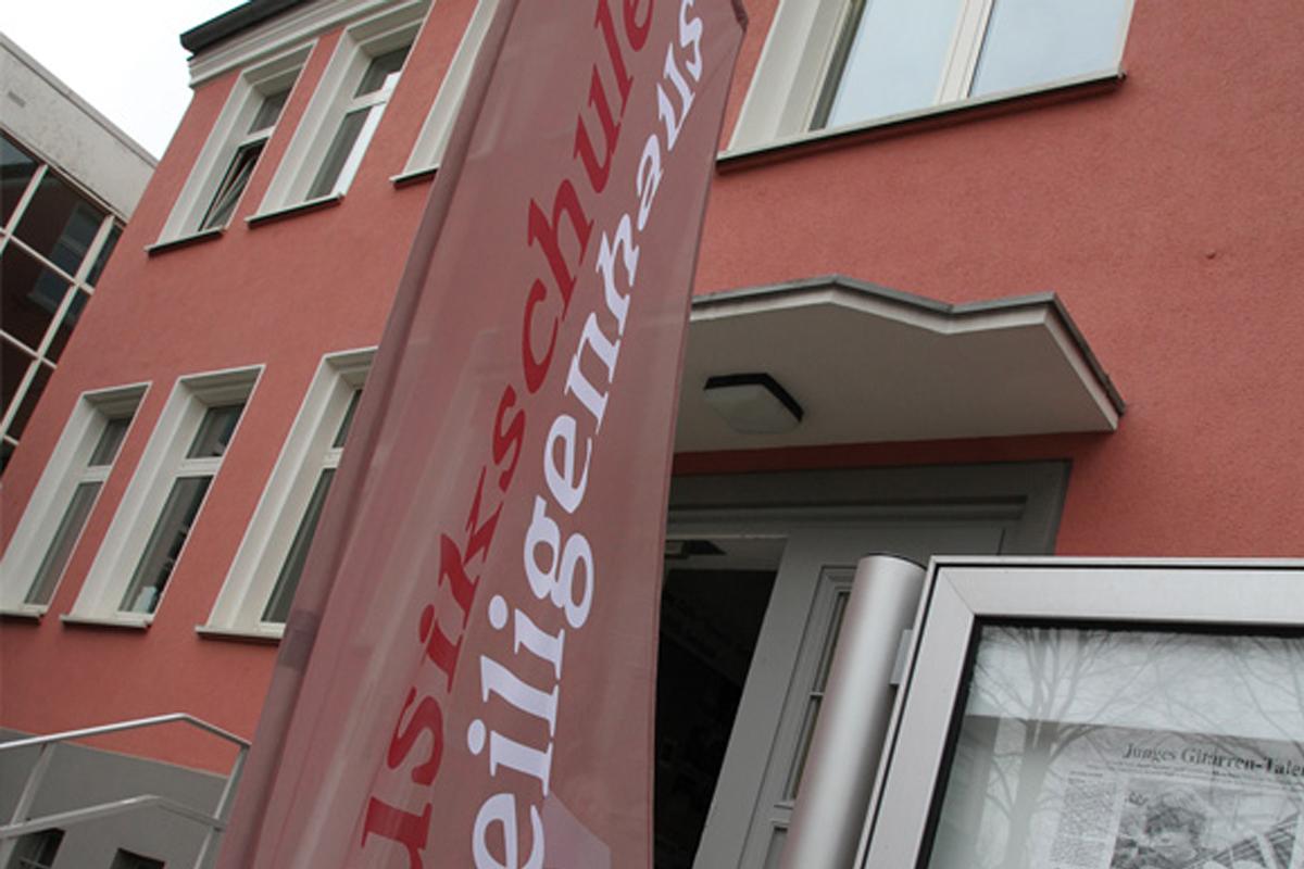 https://www.musikschule-heiligenhaus.de/wp-content/uploads/2021/04/termin_tot_1200x800.jpg